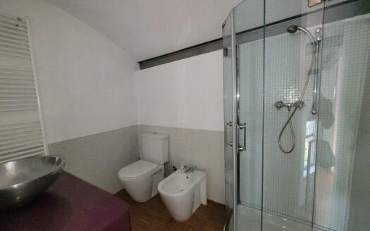 Esclusivo Loft su 3 livelli, con 2 camere e uno studio – Alzano Lombardo